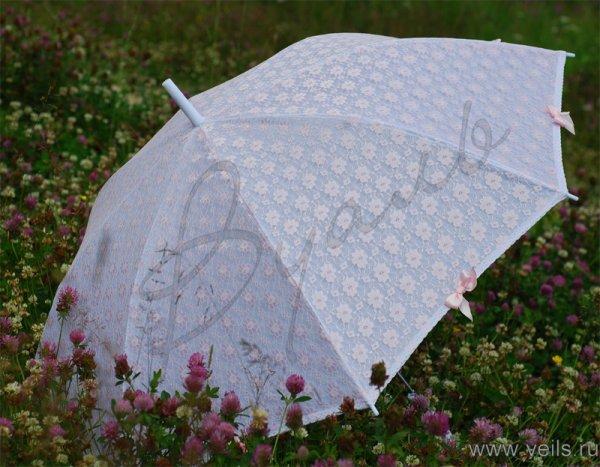 Свадебный зонт 02 с кружевом и бантами