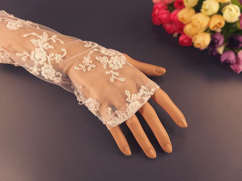 Митенки свадебные №4 белые, сетка вышивка