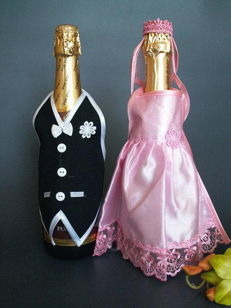 Украшение для шампанского - одежда розовая